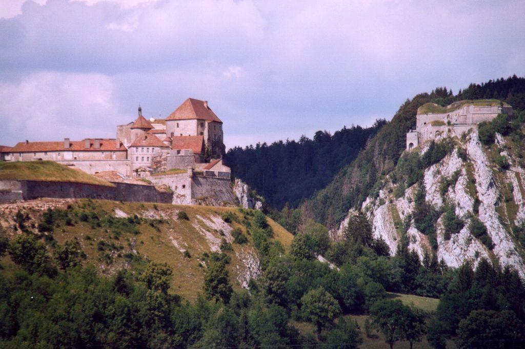 Photo du Château de Joux - La Cluse-et-Mijoux